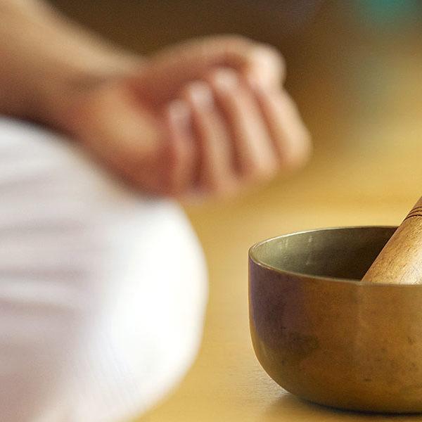 ayurveda-yoga-tnequilibrium-cuenco-mudra