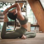 beneficios-practicar-yoga-mundoveda-ayurveda